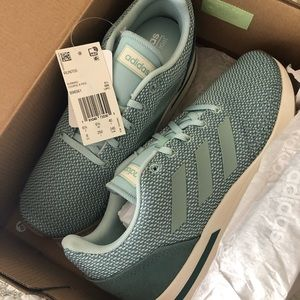NWB Adidas shoes / women's sz 8